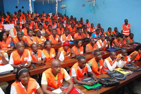 Des agents recenseurs en formation (c)connectionivoirienne.net
